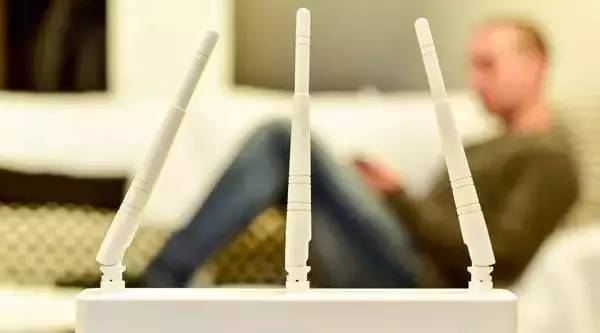 晚上睡觉要不要关 WiFi?关于辐射爸妈需要知道这些