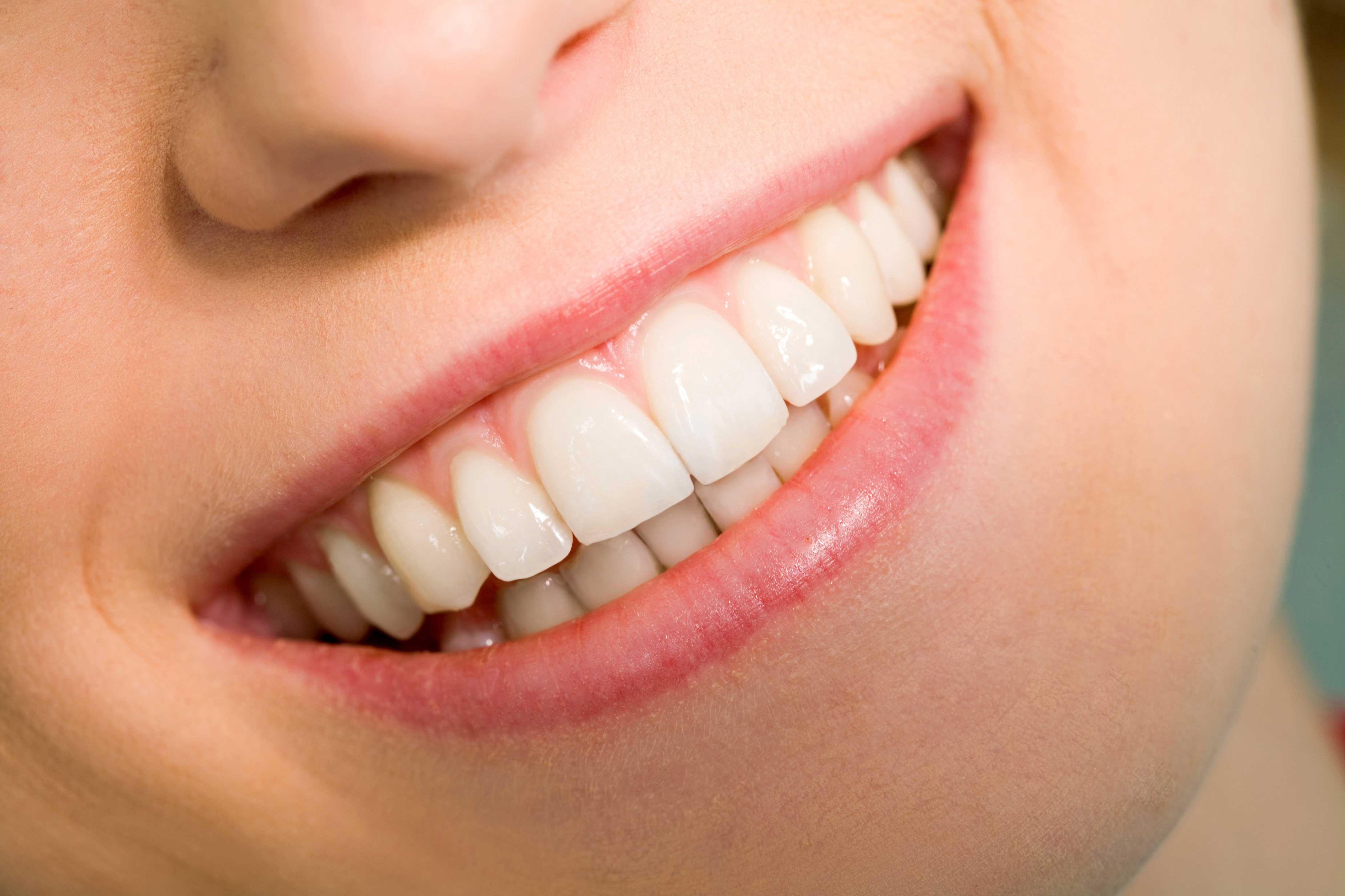 想让牙齿变白?小心病急乱投医!