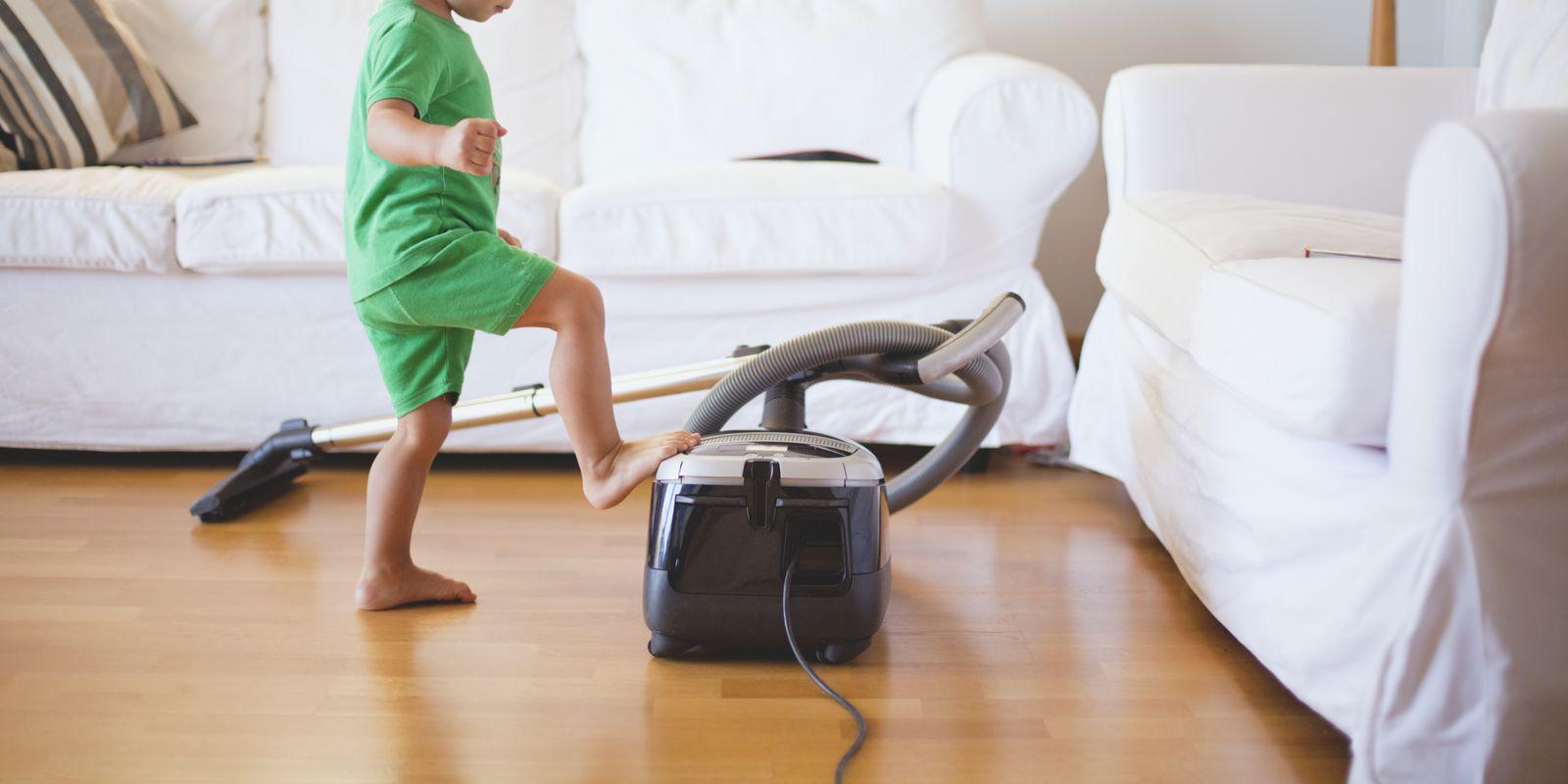 工作声音吵、有线又很烦,哪种吸尘器用着才称心?