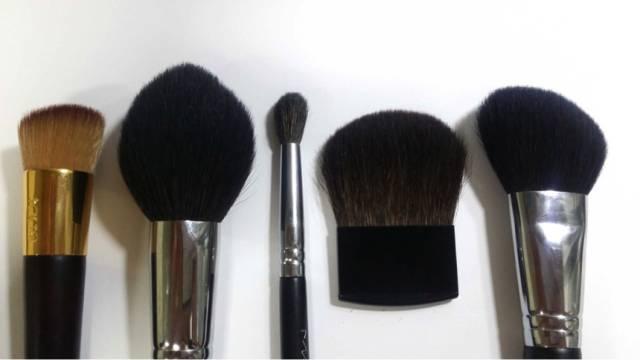 第一把化妆刷买什么?这 5 种刷型新手必备