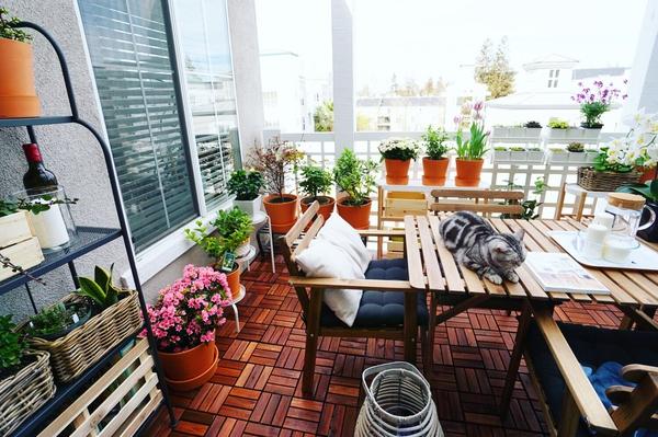 她用 9 件宜家产品,在 8 平米阳台还原了一出偶像剧(多图预警)