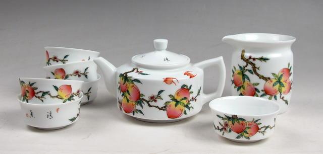 13这套茶具是现代的.JPG